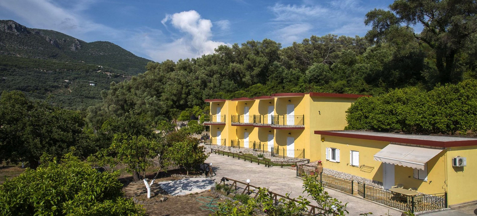 Villa Perkemes Apartments